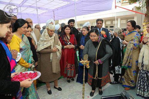 Lighting the lamp by Holy Sister Jagjit Khanna Ji