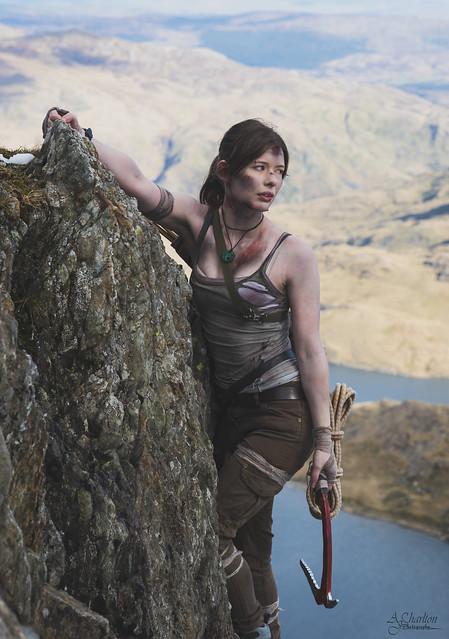 Lara Croft Cliff Hang