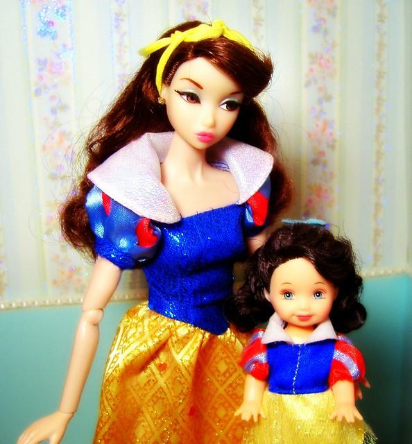 Snow White Penelope & Kelly #1