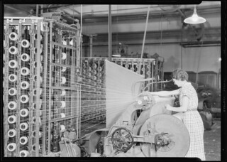 Barber-Colman High Speed Warper. This machine is using 345 ends which are run into the warp, April 1937