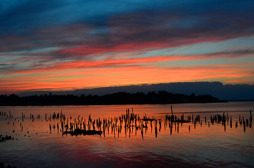 desktop sunset red wallpaper sky orange cloud reflection water beautiful beauty weather night evening twilight skies nuvola dusk background dramatic reflect cielo stunning pilings nuvem drama nube desktopwallpaper wolk desktopbackground pilv pwpartlycloudy