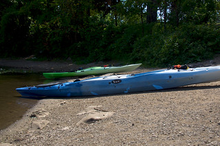 Kayakistes au repos | by bob august