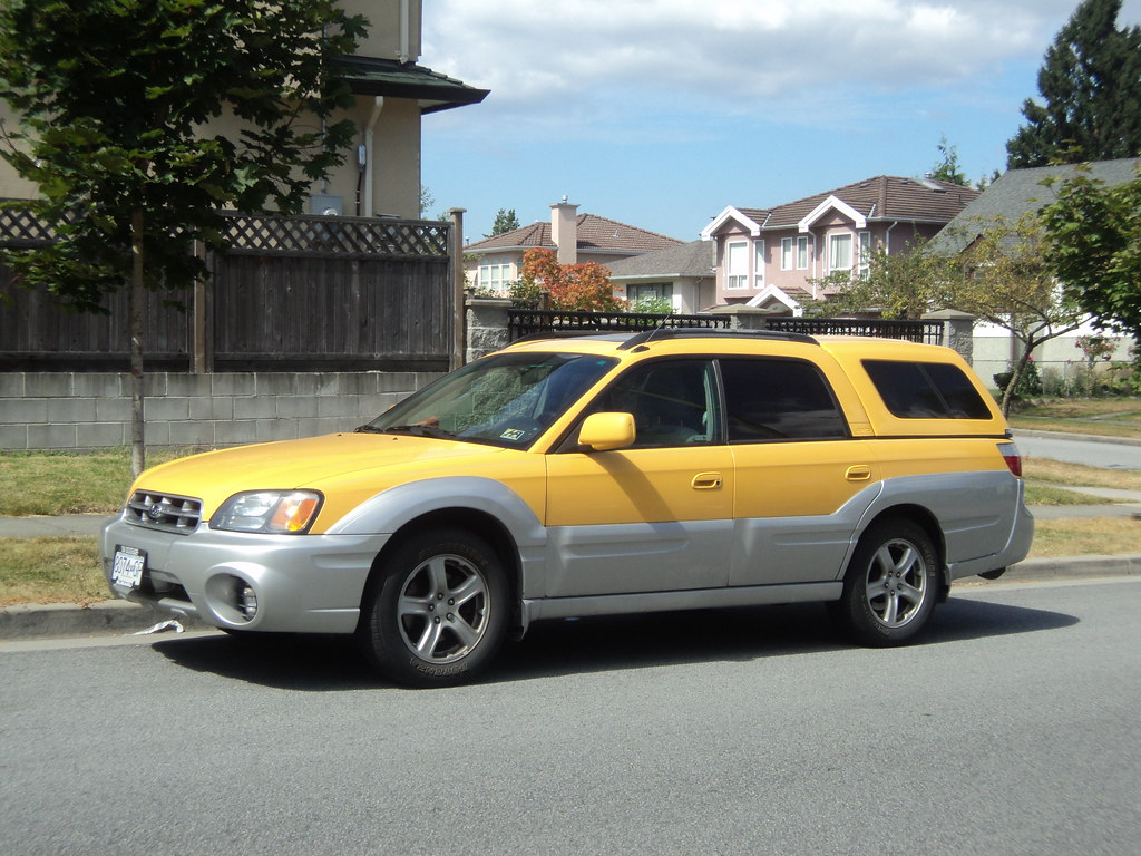 Subaru Baja With Canopy See That Pink House In The Backgro Flickr