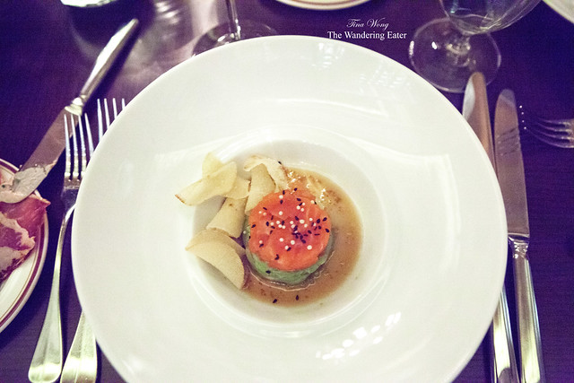 Salmon tartare and avocado mousse with potato chips
