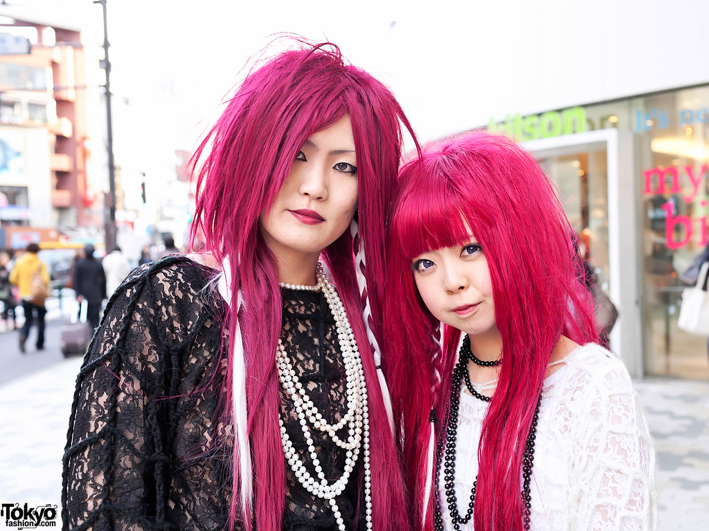 Harajuku Visual Kei Style | Two Japanese girls in Visual Kei