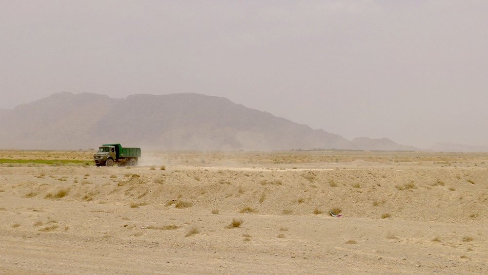 yazd-shiraz-L1020983