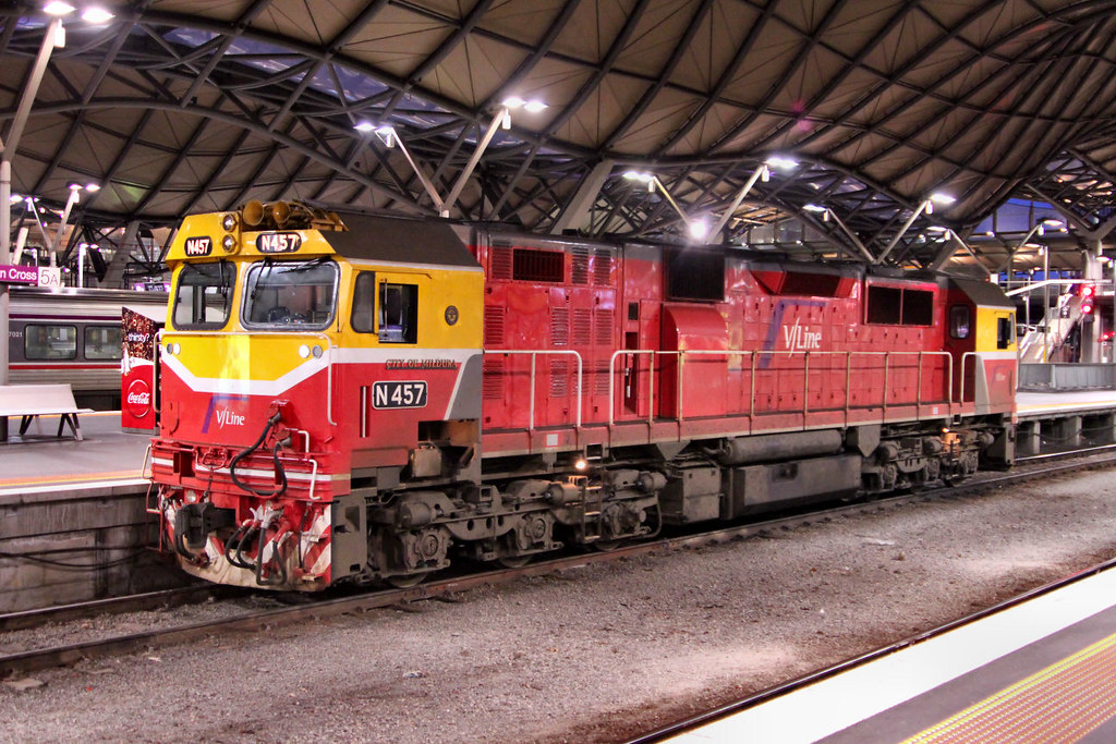 N457 Southern Cross Platform 5A 11 07 2012 by Daven Walters