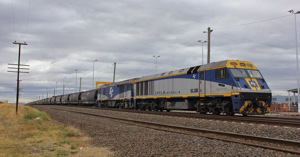 EL58 and GL104 wait for a spot at Appleton Dock to unload grain from Southern NSW by bukk05