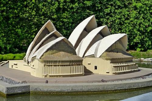 sydney opera house @ legoland.   nesoxochi   Flickr