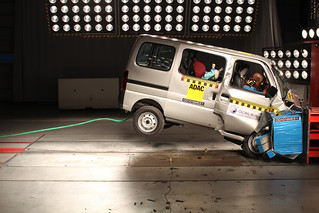Suzuki Maruti Eeco - NO AIRBAGS   by Global NCAP