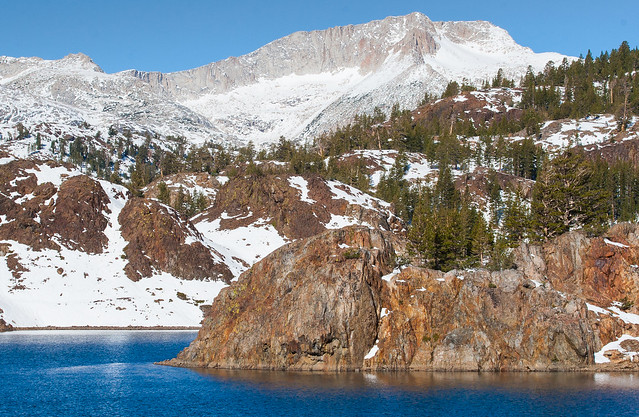 Ellery Lake on the way to Tiaga Pass