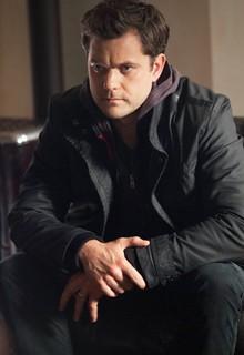 Joshua Jackson as Peter Bishop in Fringe.