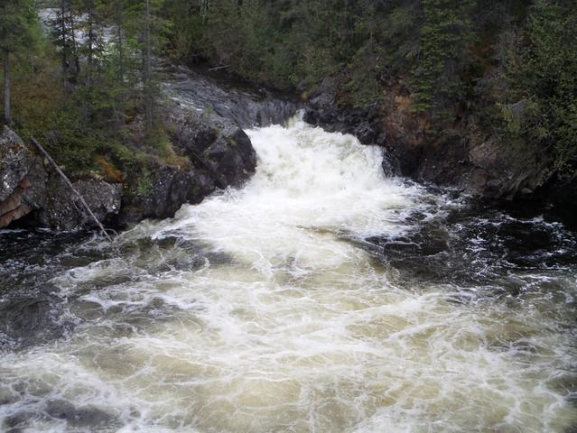 Rancheria Falls07