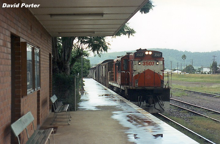 3507 at Wingham 17-2-92 Monday by Dave`s Train and Railway Images