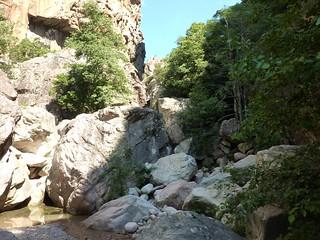 Brèche du Carciara : arrivée à l'entrée en suivant le lit du ruisseau