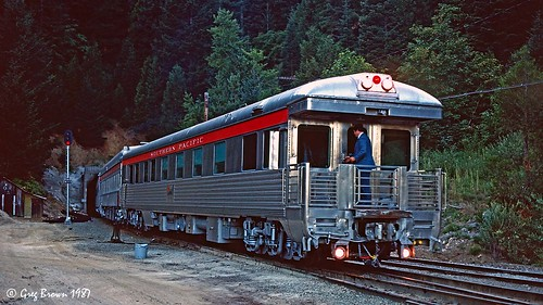 southernpacific sp spsiskiyouline siskiyouline siskiyou siskiyoumountains sp150 sunset oregon jacksoncountyoregon passengertrain trains railroads tunnel