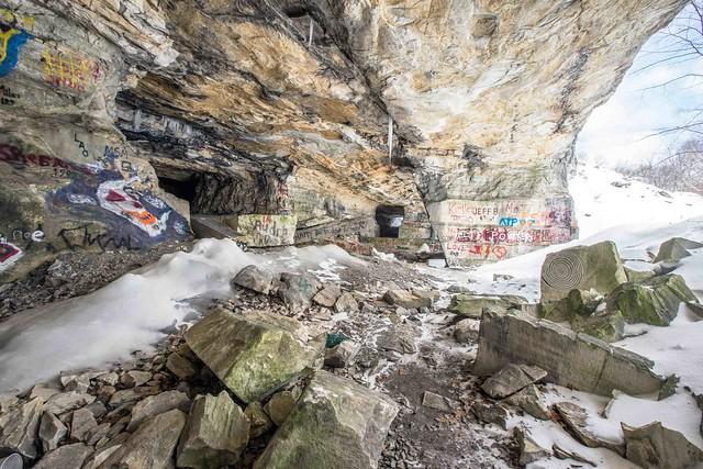 Freedlyville Ice Quarry - Dorset, VT - 2014, Mar - 09.jpg