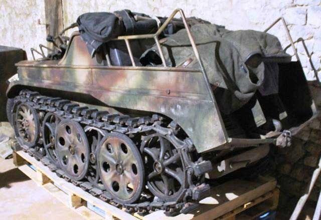Kettenkrad , model HK101