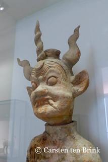 Han dynasty tomb guardian