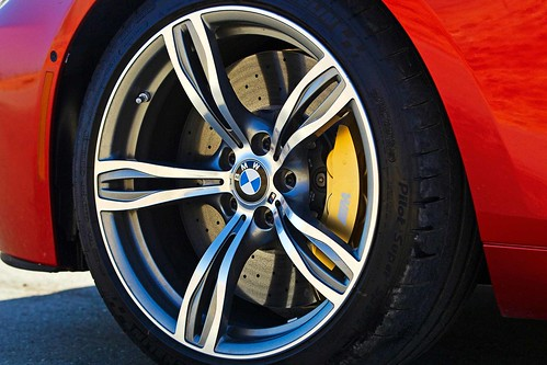 2013_BMW_M6_Coupe...11 Photo