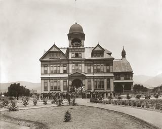 Holmes Hall (1893)