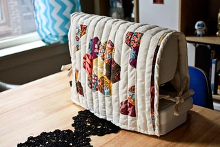 Double-Sided Quilted Sewing Machine Cover | by osiristhe