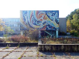 Untitled | by Kunst am Bau / DDR