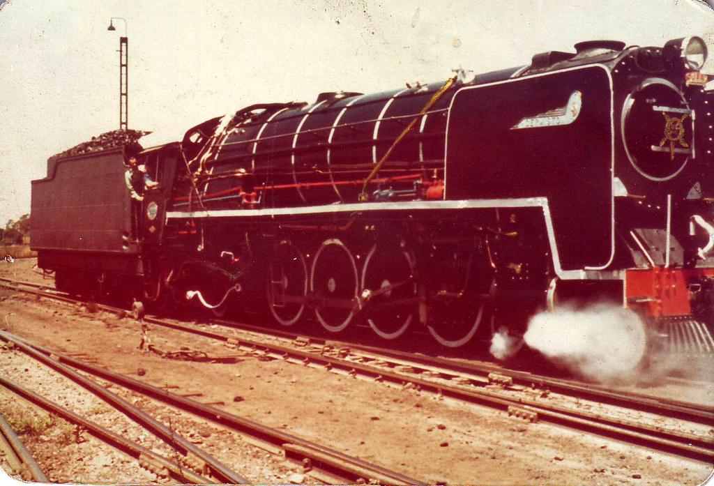 Steam Locomotive 3 | 1975 - 75 Yrs of steam  Driver - LvdWes