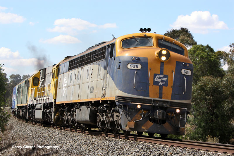 Horsham (POTA) Container train with S311, GML10 & 8037 by Corey Gibson