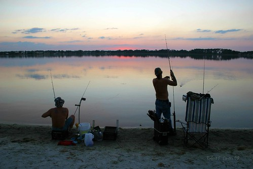 florida winterhaven sunsets fishing fishermen lakeconine landscape seascape fishingrods dusk twilight beach beaches fisherman sunset evening people relaxation hobby hobbies recreation recreational beaches11241 roadside crookedtreephotographicsociety robertcarterphotographycom ©robertcarter