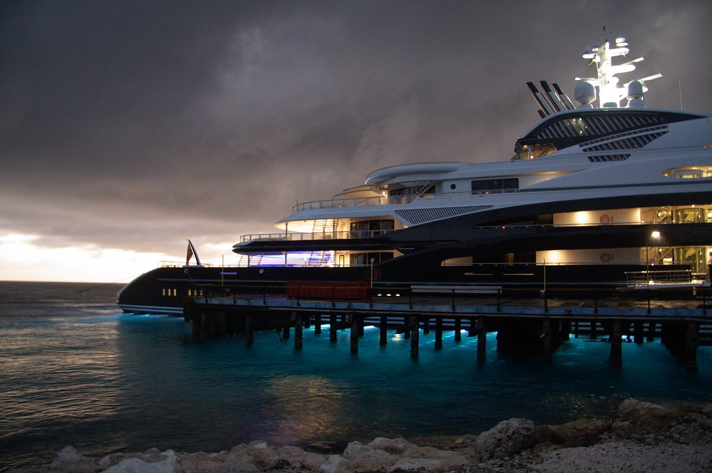 Mega Yacht Serene In Curacao At The Beginning Of The Ni Flickr