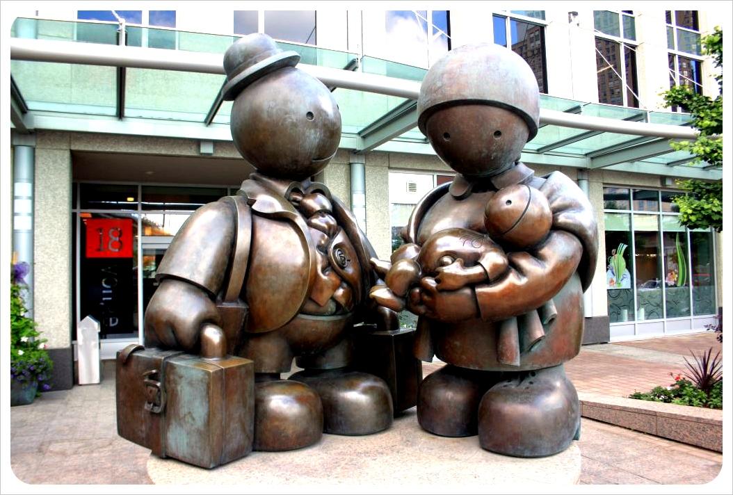 toronto immigrants sculpture