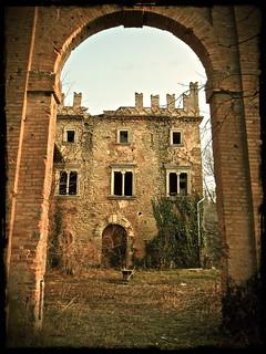 Castello di Zena - Arco d' ingresso | by Gianlo