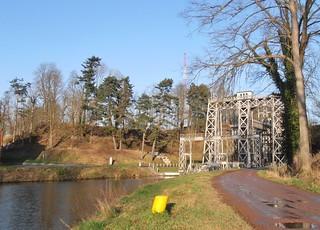 Ascenseur à bateau n° 3 sur le canal du centre, Bracquegnies.