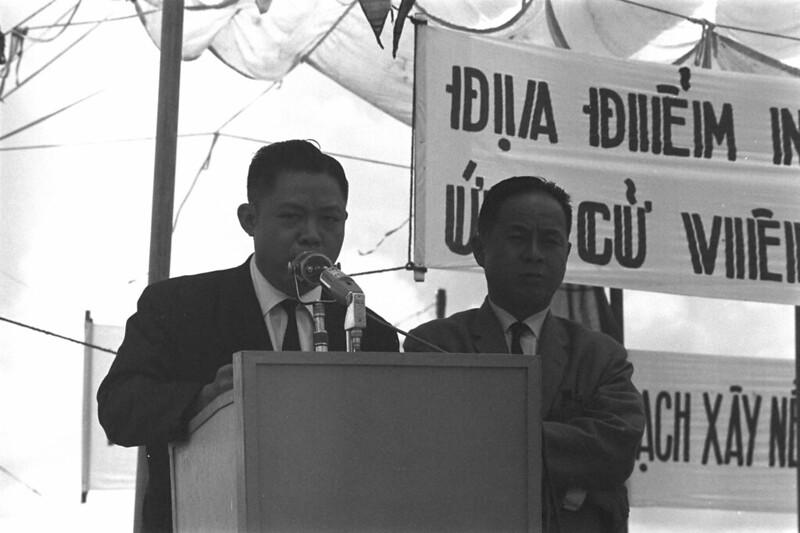 1967 - ƯCV Trương Đình Dzu vận động tranh cử Tổng Thống tại tỉnh Phong Dinh (Cần Thơ)