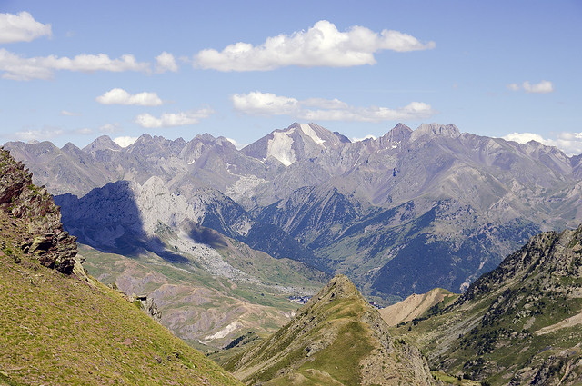 Pirineo aragonés (España), Macizo de los Picos del Infierno