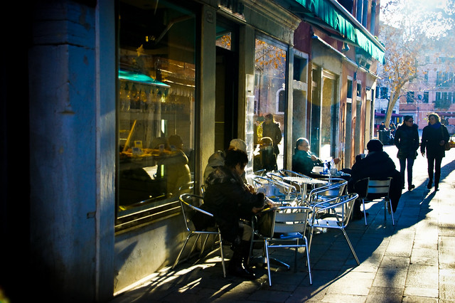 Winter's afternoon outside the Patisseria