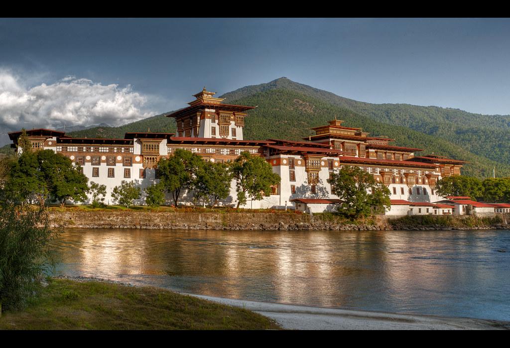 Punakha Dzong lake view
