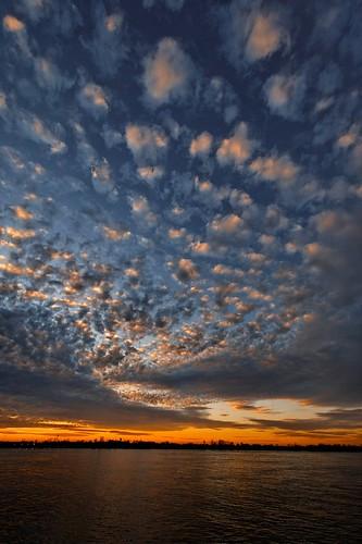 sunset river landscape louisiana batonrouge mississippiriver 10mm canonefs1022mmf3545usm mrgreenjeans gaylon gaylonkeeling