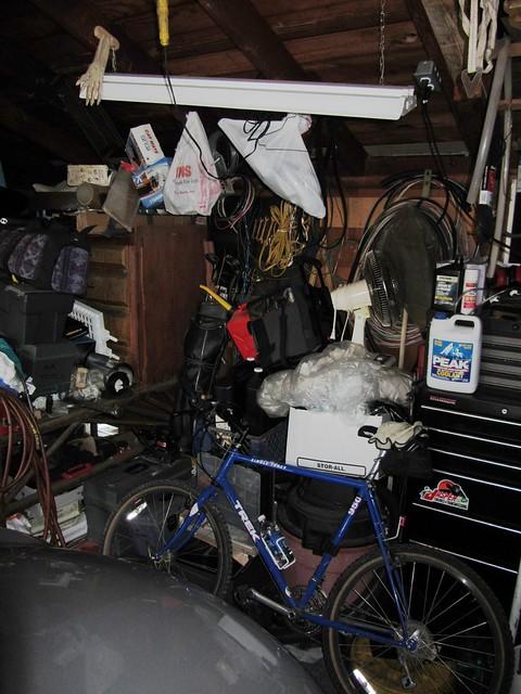 IMG_9204s60m60 garage before new shelf