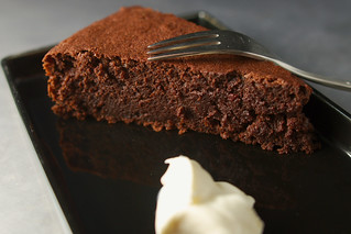 Gâteau au chocolat et à la betterave rouge / Chocolate and beet cake | by balise42