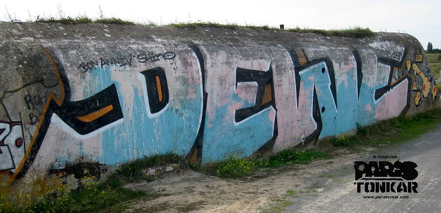 Graffiti & Blockhaus // Bretagne