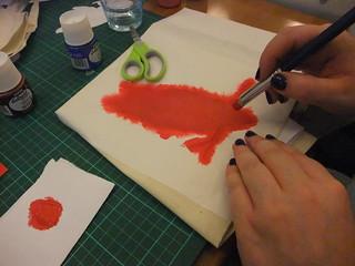 Applying fabric paint