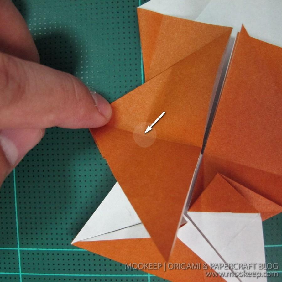 วิธีพับกระดาษเป็นรูปหมี (Origami Bear) 014