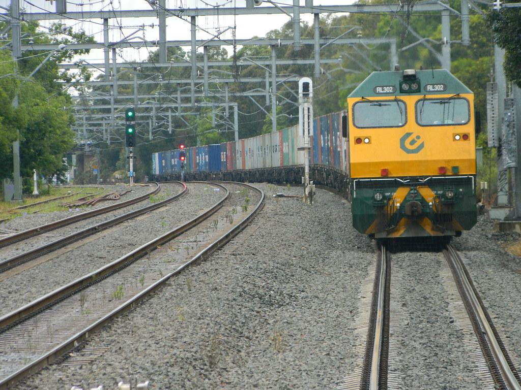 1443 Trip train Concord West by Roy