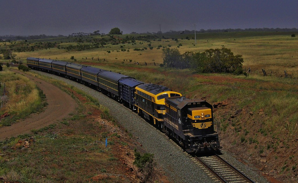 Spirit Of Progress special at  Rowsley Vic by Rodney S300