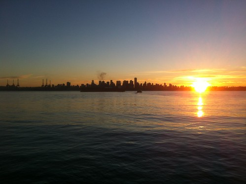 Sunset in Vancouver and North Vancouver | by Raul P