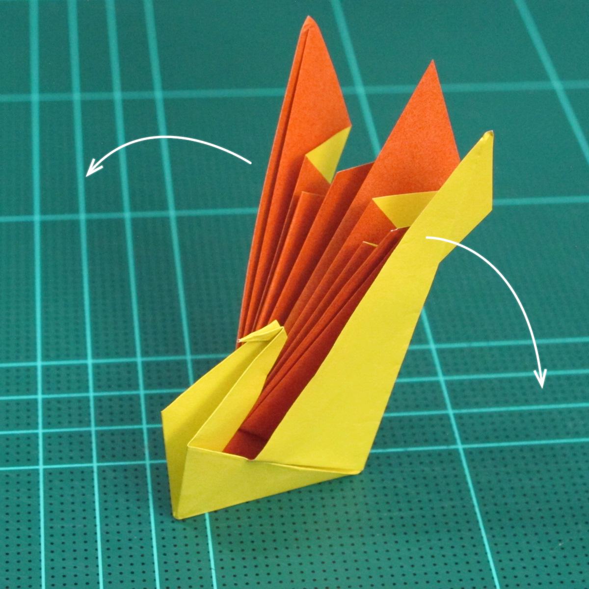 วิธีพับกระดาษเป็นรูปนกยูง (Origami Peacock - ピーコックの折り紙) 028