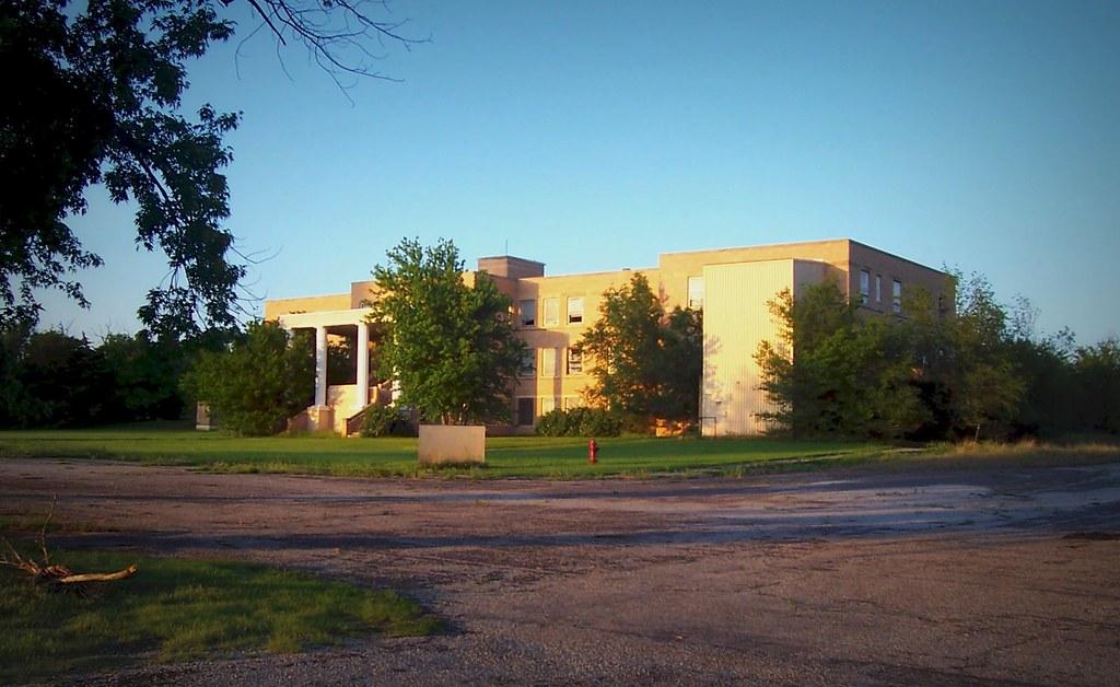Abandoned Hospital In Hardtner Kansas A Photo On Flickriver