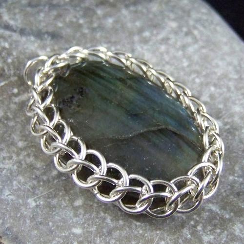 Gray Labradorite Chainmaille Bracelet